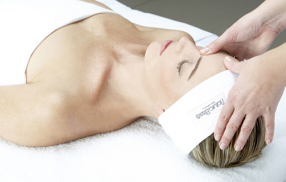 natura-bisse-the-spa-downtown-the-address-dubai-facial